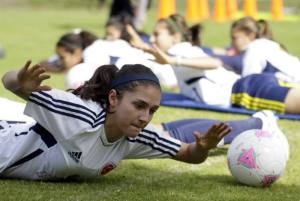 La Selección Colombia Femenina de Fútbol regresó este martes a las prácticas oficiales previas a la participación en los Juegos Olímpicos Londres-2012. En la foto: Natalia Gaitán. (Colprensa - Mauricio Alvarado).